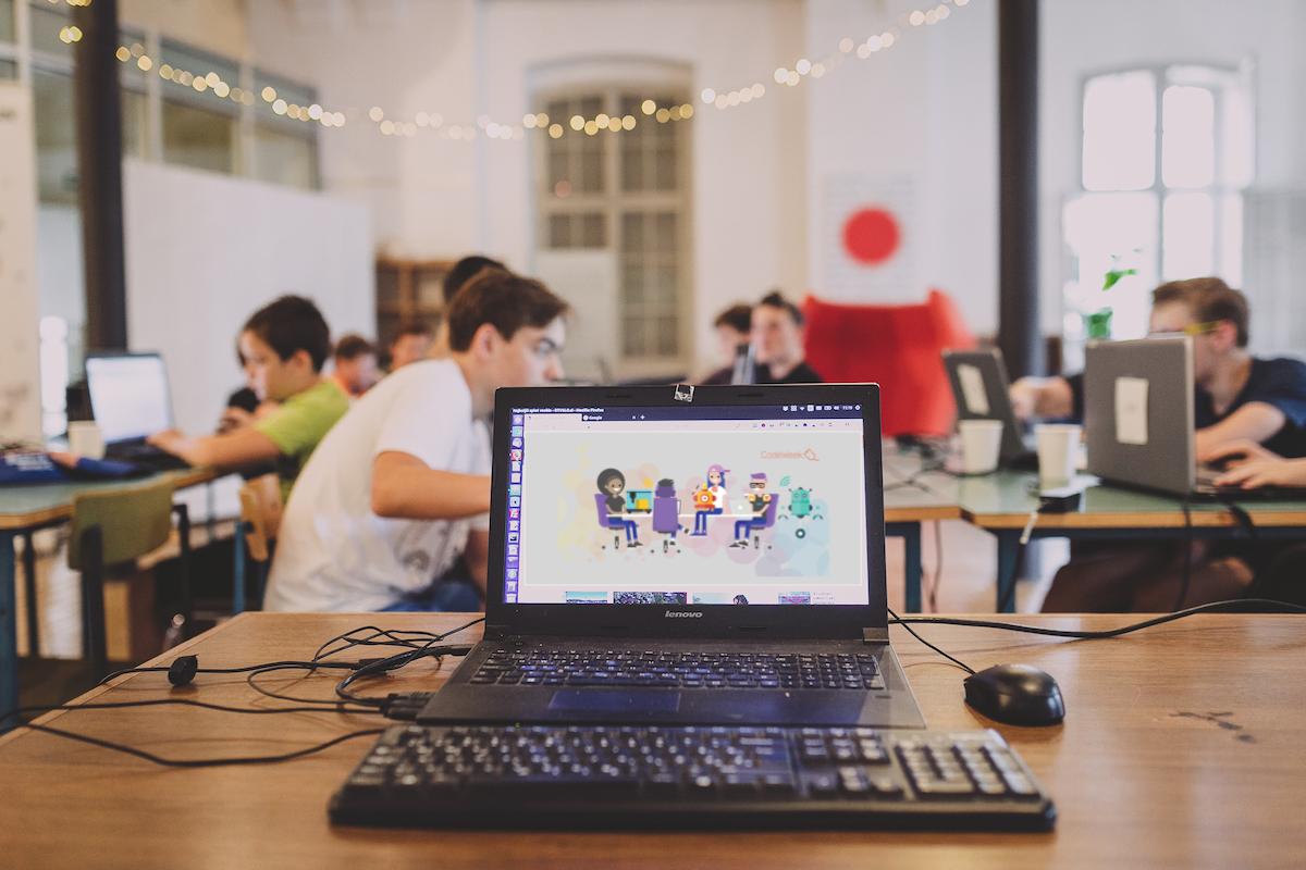 Delavnica programiranja za dekleta in fante